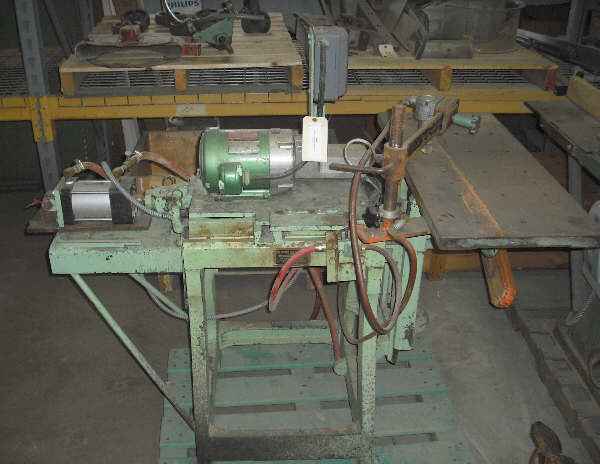 L.G. McKNIGHT & SON MODEL-20 HORIZONTAL BORING MACHINE