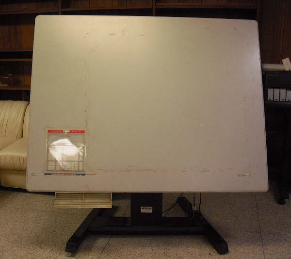 GTCO CALCOM 34600 DIGITIZING BOARD WITH POWER LIFT & TILTING BASE