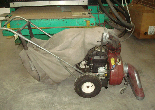 PARKER 30 INCH WIDE PUSH-TYPE 5.5 HP GASOLINE LITTER VACUUM/SWEEPER