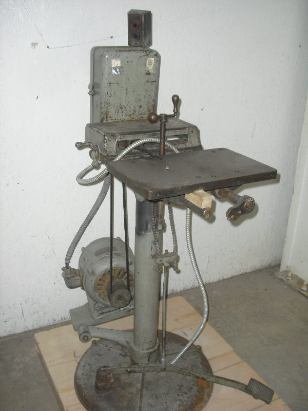 NEWTON SINGLE-SPINDLE HORIZONTAL BORING MACHINE