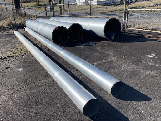 LOT OF STRAIGHT DUST-PIPE